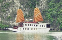 Halong Bay Valentine Cruise 3 Days
